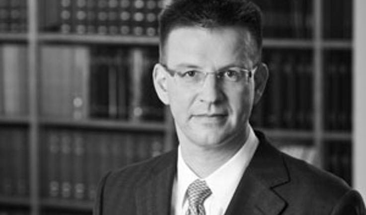 Dr. Martin Strahl